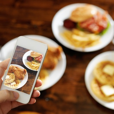 Restaurant Experiences Major Losses Due to Foodies Instagramming Every Dish
